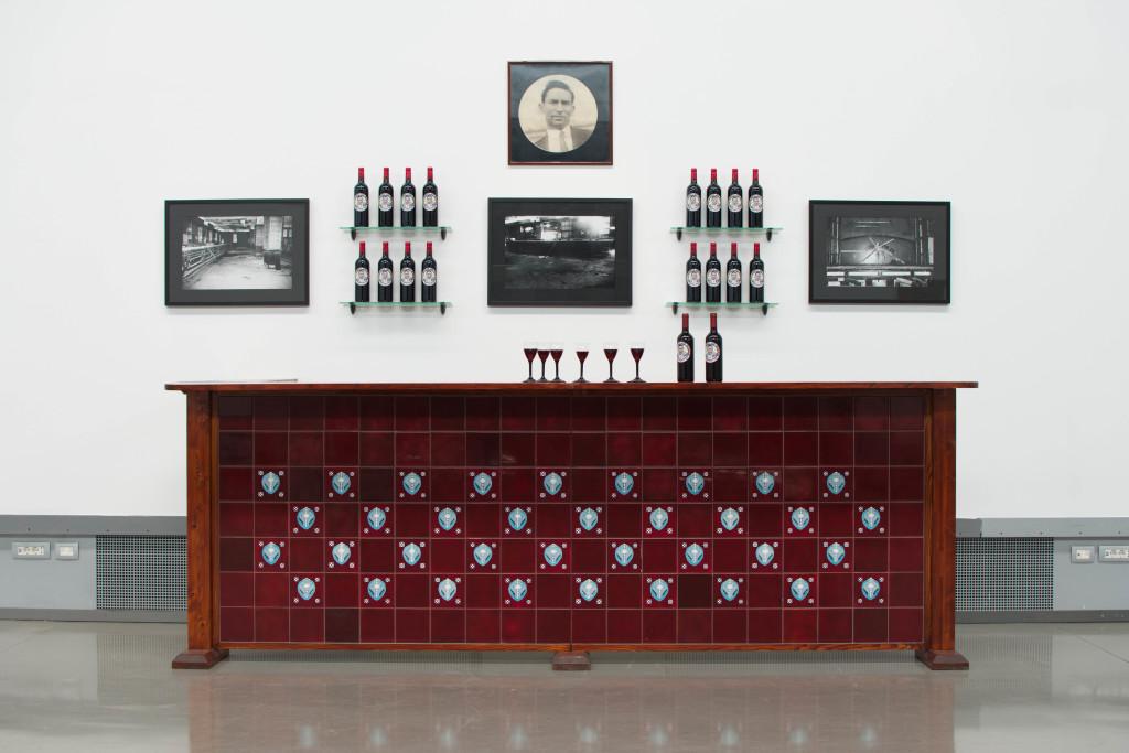 CARLOS GARAICOA, Sloppy Joe's Bar Dream... (detail) | exhibition view, ph Francesca Renda