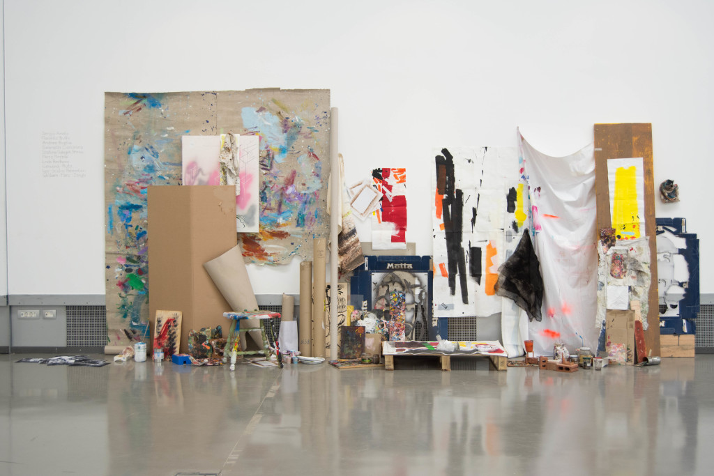 LUIS GÓMEZ ARMENTEROS | Las ropas del rey, 2014 - 2016, installazione, tecnica mista | exhibition view, ph Francesca Renda