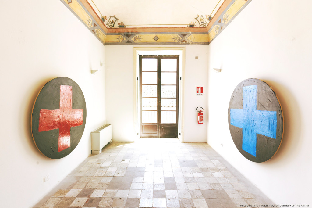Installation view_blu cross and red cross_Acrylic on wood 2004 diamentro cm 150_courtesy_Galleria Pack Milano, Ph Benito Frazzetta