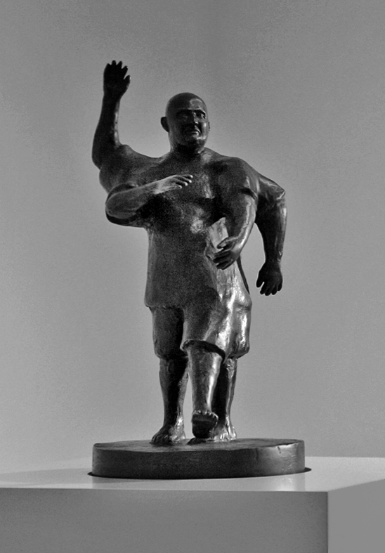 Urs Lüthi, Spazio umano III, 2007, bronzo cm 45 × 22 × 20. Courtesy Collezione Paolo Brodbeck